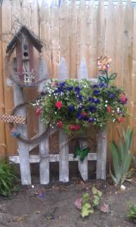Ideas For Decorative Garden Fence Best 25 Rustic Garden Decor Ideas On Rustic Landscaping Country Garden Decorations