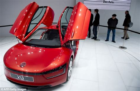 Cool Car With Mpg by The Most Fuel Efficient Car In The World Volkswagen Xl1