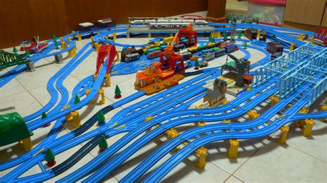 layout ultimate 2006 tomy trains and layouts november 2006