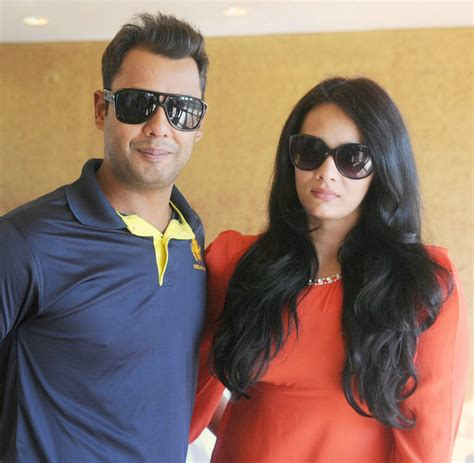 wife of stuard binni tv journalist mayanti langer married stuart binny in 2010