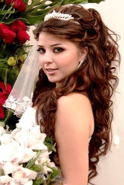 Quinceanera Hairstyles With Curls And Tiara by Quinceanera Hairstyles For Hair With Curls And Tiara
