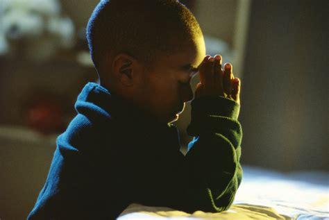 imagenes de orar unos por otros 191 por qu 233 las personas debemos rezar escuela virtual