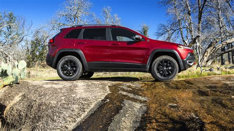jeep chrysler new 2017 jeep cherokee quirk chrysler jeep near boston ma