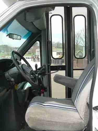 find   ford    passenger bus  diesel  corbin kentucky united states