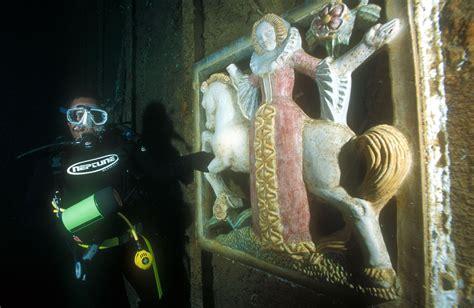 diver  lady  unicorn president coolidge wreck