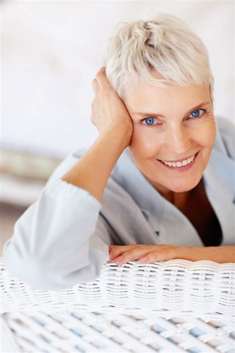 short haircuts for gray hair easy to manage easy to manage short hairstyles for round faces