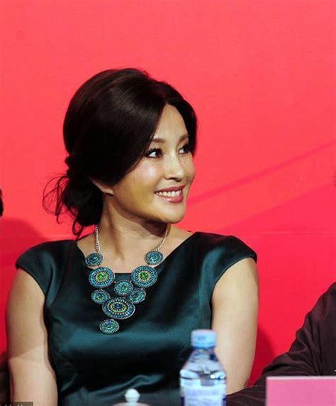 film china s liu xiaoqing 62 year old chinese actress liu xiaoqing looks as young as