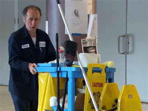 janitor graduates from columbia on nbcnews