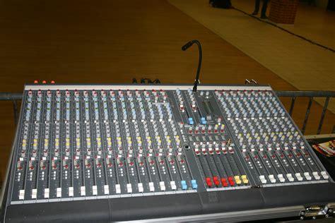Mixer Allen Heath Gl allen heath gl2200 424 image 304662 audiofanzine