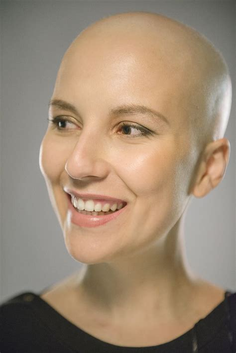 bald head round face black woman smiling woman bald head interesting faces expressions