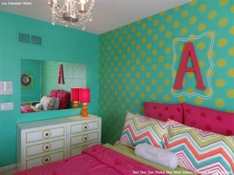 girls bedroom stencils the stylishly stenciled walls of haneen s haven royal