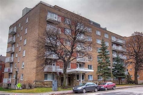 Montreal Appartments For Rent by 2400 Benny Crescent Montreal Apartment For Rent B106717