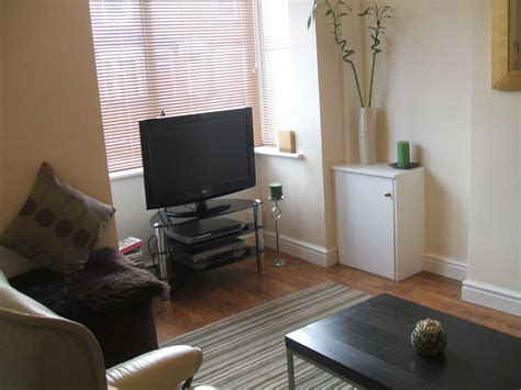 2 Bedroom Flat In Birmingham City Centre by Birmingham Apartments Term Let Birmingham City