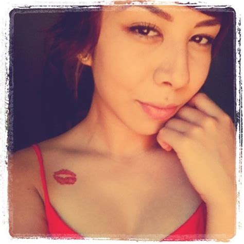 kiss tattoo on shoulder popularity of kiss lip tattoo among teenagers