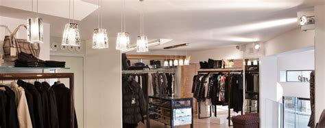 illuminazione a led per negozi illuminazione a led per negozi abbigliamento capo serio