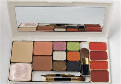 Make Up Kit Wardah palet istimewa