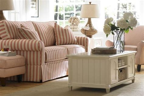 7 quick tips for using striped furniture