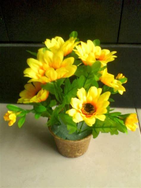 Hiasan Meja Bunga Yaezakura Mini Warna Fanta pondok dahar lauk jogja bunga rangkai kecil tabletop lauk jogja small tabletop artificial