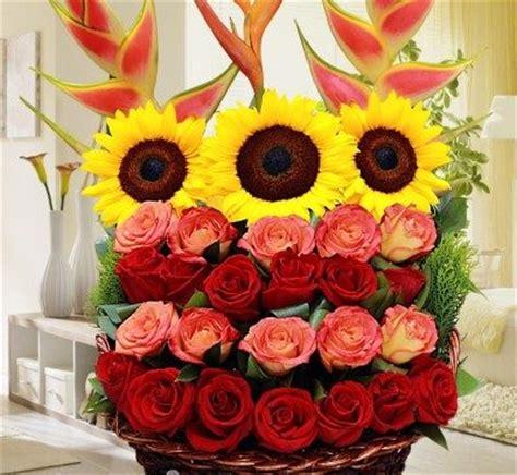 imagenes bonitas de cumpleaños de flores lindas im 225 genes de rosas con movimiento ramos de flores