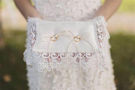 cuscini per anelli matrimonio il cuscino portafedi protagonista della cerimonia in