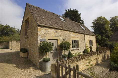 luxury self catering cottage slaughter the
