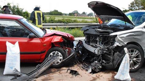 Auto Rechtsschutz by Mehr Als Nur Autorechtsschutz Versichert Bei Streit Im