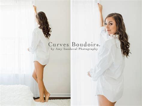 Richmond Bridal Boudoir Photography: Lace Details   Curves