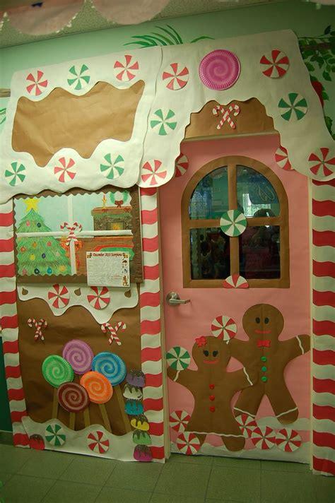 best christmas door covers 401 best door covers images on door ideas and doors