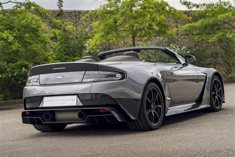 Aston Martin Roadster by Aston Martin Vantage Gt12 Roadster Wallpapers Images