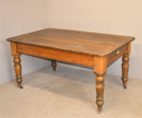 Pine Kitchen Table Pine Kitchen Table Q3350 Antiques Atlas