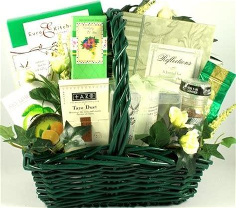 comfort food gift basket 25 best ideas about sympathy gift baskets on pinterest