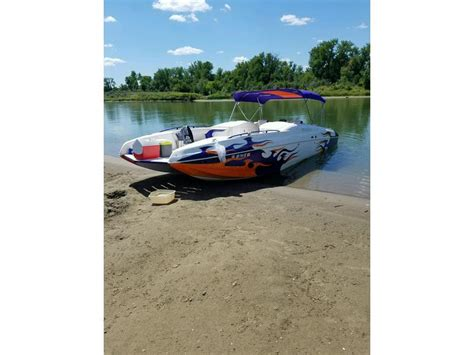 deck boat for sale north dakota 2004 magic deckboat powerboat for sale in north dakota