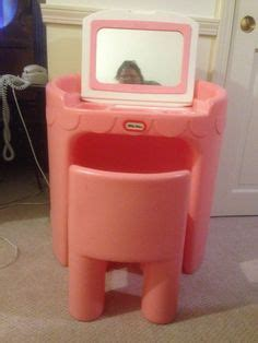 Fisher Price Vanity Table by Pink Tykes Child S Vanity With Mirror And