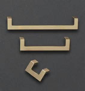 Brass Kitchen Cabinet Hardware Best 25 Cabinet Hardware Ideas On Kitchen Cabinet Hardware Drawer Pulls And Laundry