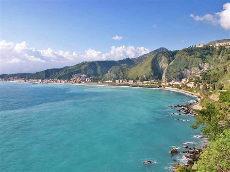 giardini naxos taormina taormina the sea travel ideas