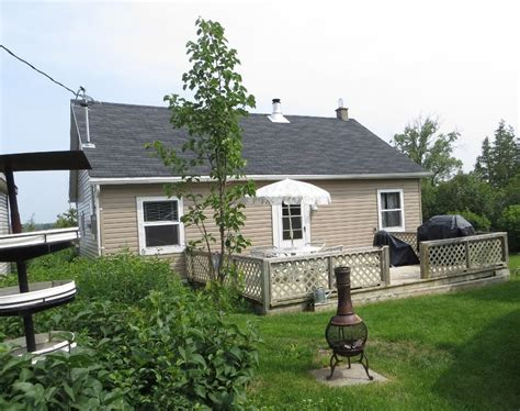 Cottage Rental Sandbanks by Waterfront Cottage In Prince Edward County Near