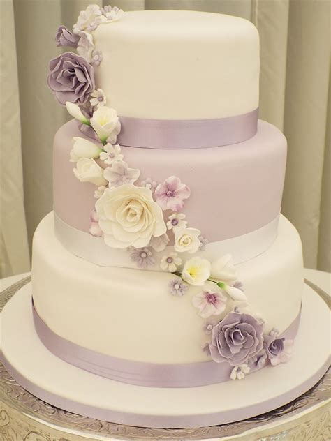 Cake Pantry by Gails Cake Pantry In Worcestershire Wedding Cakes