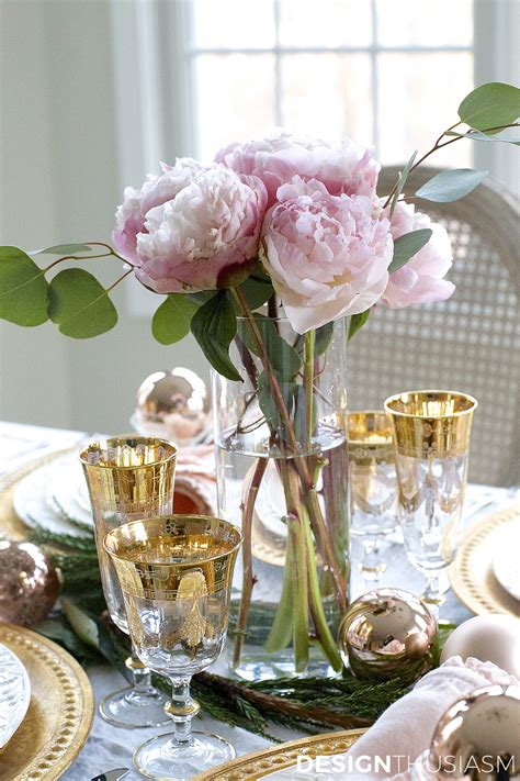 elegant christmas table christmas pinterest elegant christmas table setting with pink and gold