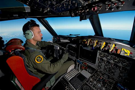 I Am Pilot malaysia airlines flight mh370 australian planes search