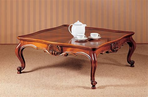 Traditional luxury coffee table, carefully carved, for livingroom   IDFdesign