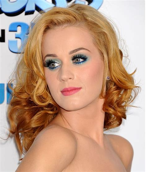 makeup tips for strawberry blondes katy perry with strawberry blond hair green blue eye