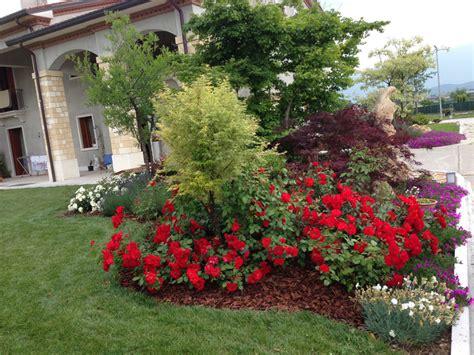 piccole aiuole da giardino consigli e prezzi per progettare un giardino di casa