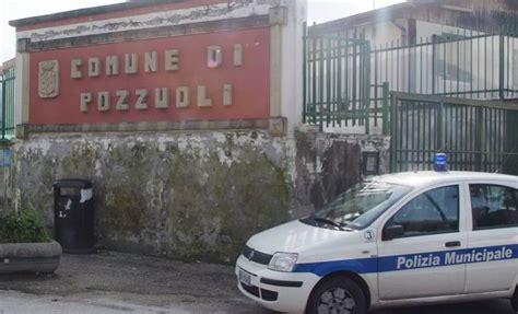 ufficio tecnico comune di pozzuoli blitz dei carabinieri al comune di pozzuoli nel mirino