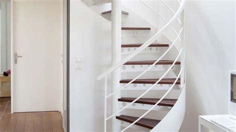 Escalier En Colimaçon by Cevelle Vert Bains Salle Inspiration De