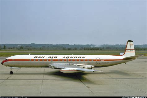4 Dan Air de havilland dh 106 comet 4 dan air aviation photo 1796251 airliners net