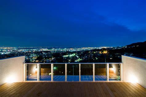 astonish hillside home designed  crowd neighborhood