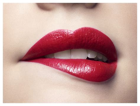 0008323445 it doesn t have to be covergirl applying red lipstick doesn t have to be a