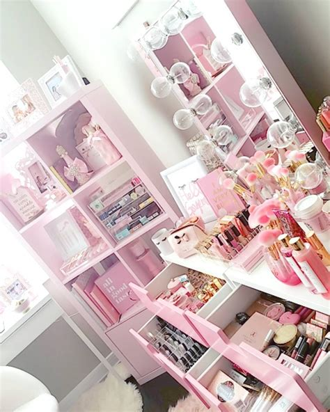beauty guru  dreams  pink glam brush books mink luxe lashes youtube channel slmissglam