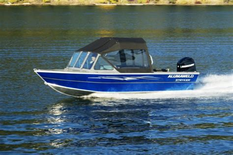 research 2013 alumaweld boats stryker sport 18 on - Alumaweld Boat Models