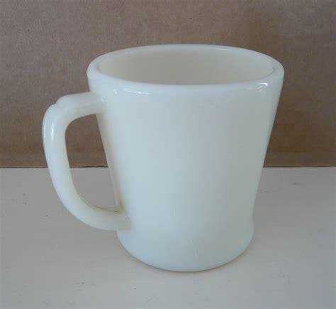fire king ivory glass d handle mug coffee cup from fire king creamy ivory d handle coffee mug